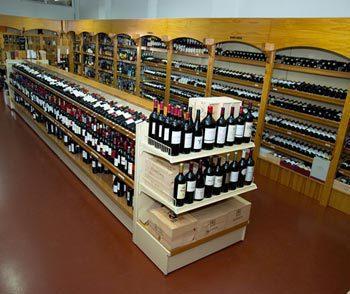 Tiendas de vinos en segovia comprar vino en segovia - Estanterias de vino ...